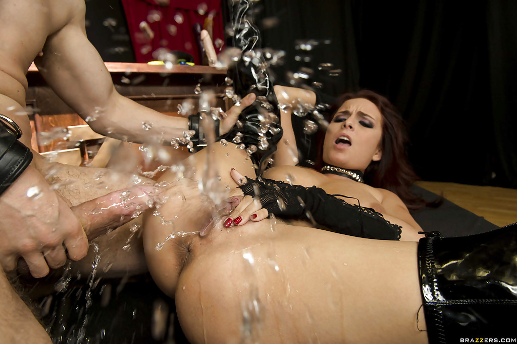 Maratre recommends Hot blondes squirt