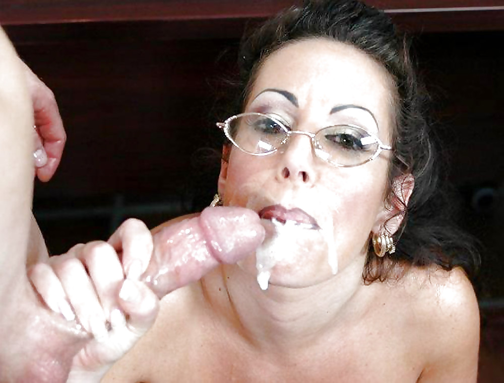 Frizzell recommend College girl first blow job