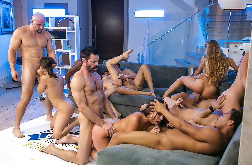 Damon recommends Hot escorts in taxis